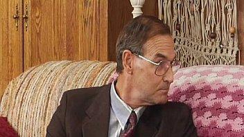 Адриана чечик занимается трахом с сногсшибательным мужиком на дивана