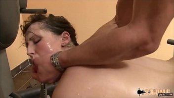 Hazel dew подалась в поебушке и теперь ее анальное отверстие может трахать любой пробующий