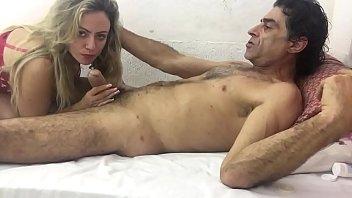 Молодая телка с заросшей дыркой изменяет мужу с соседом