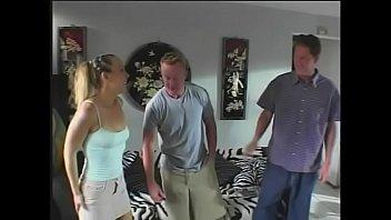Саша грей с подругой дрочат вагины и ссут на пол